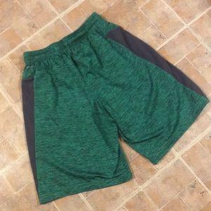 3e54105b60e2 Reebok Bottoms - Reebok athletic shorts size kids boys large